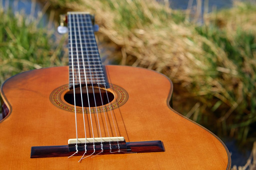 始めようギター!ネットで超簡単! 初めてでもコードで必ず弾ける!